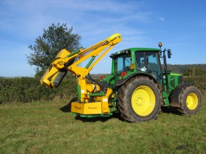 Kidd Farm Hedgecutters with 95 degree power slew