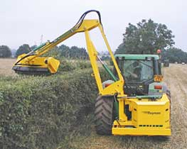Kidd-farm-machinery-hedge-cutter-home